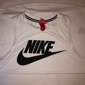 Nike Athletic Tee Size S